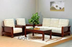 Desain Ruang Tamu Minimalis Dengan Kursi Jati
